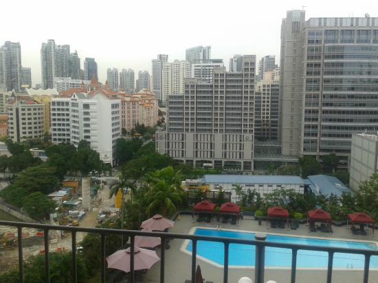View from premier lounge picture of novotel singapore for Chambre de commerce singapore