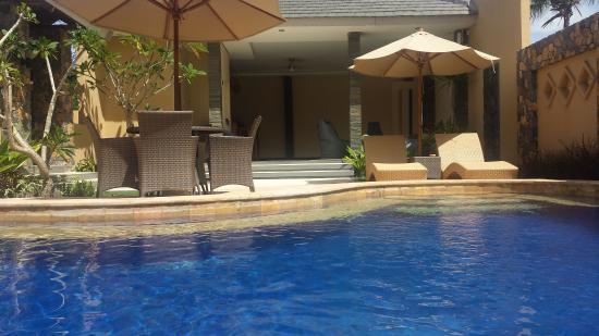 Matahari inn bewertungen fotos preisvergleich gili for Preisvergleich swimmingpool