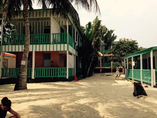 Seaspray Hotel: A view from the beach