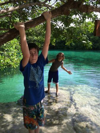 Scuba Tulum: Playing at the beautiful casa cenote.