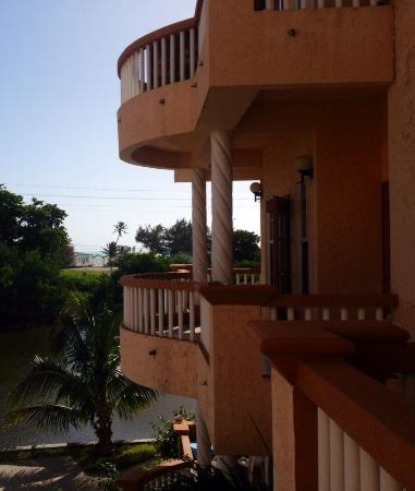 Ambergris Lake Villas: View to the Beach