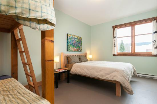 The Riding Fool Hostel: Private Room - Queen Bed, set of Bunks
