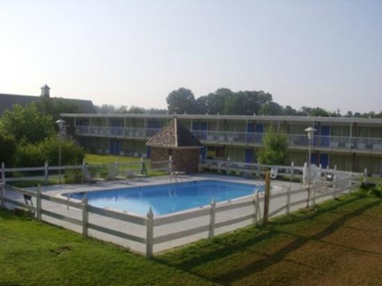 Photo of Pineapple Inn And Housing Center Williamsburg