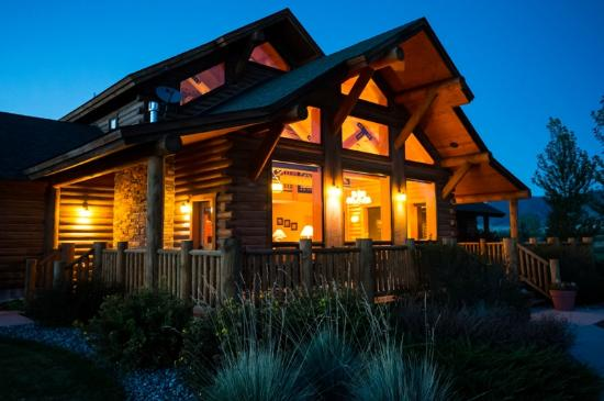 Madison Valley Ranch: Channels Lodge