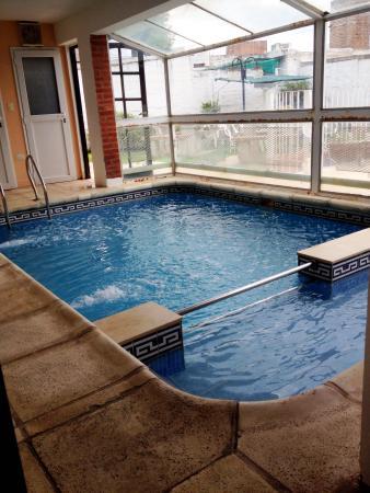 Piscina climatizada fotograf a de hotel andino villa for Precio piscina climatizada