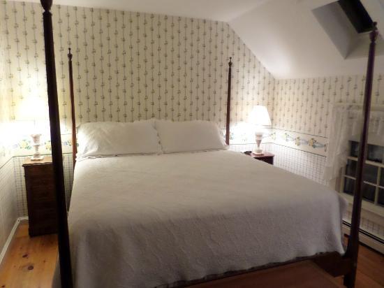 Ashley Inn Bed and Breakfast: Cama confortável e com uma colcha linda! Detalhes que fazem toda a diferença.