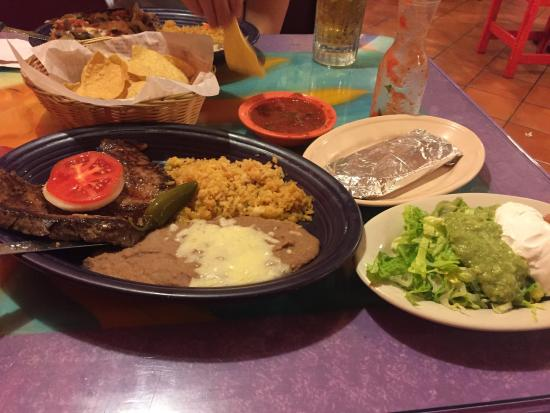 Mexico Lindo Restaurant: The Steak Tampiquena was awesome!