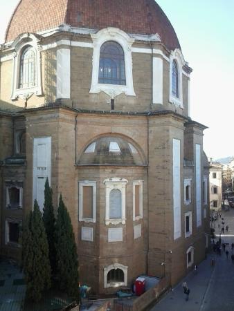 Emerald Fields Hostel : Vista do quarto, catedral de Firenze
