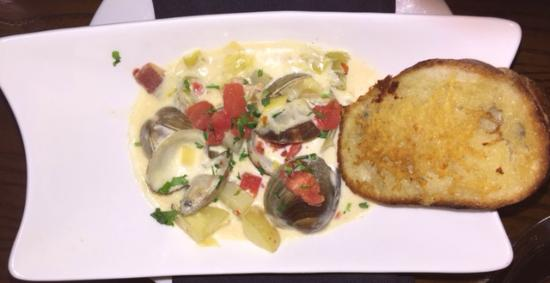 37 North: Fresh clam chowder with fresh clams, yukon potatoes and an amazing garlic cheese toast