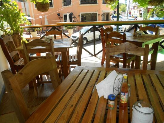 Benjamin Fresh Seafood by Sosua La Playa: SEATING