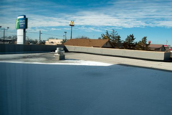 Holiday Inn Express Hotel & Suites Shamrock North: View over the pool roof from Room 222