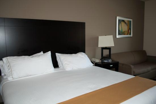 Holiday Inn Express Hotel & Suites Shamrock North: Big, comfortable bed