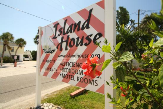 Island House Apartment Motel