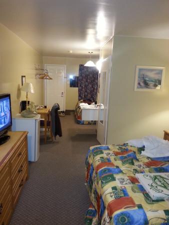 Knights Inn Woodstock: room