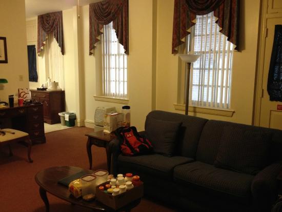 Navy Gateway Inn Pensacola : Living Room