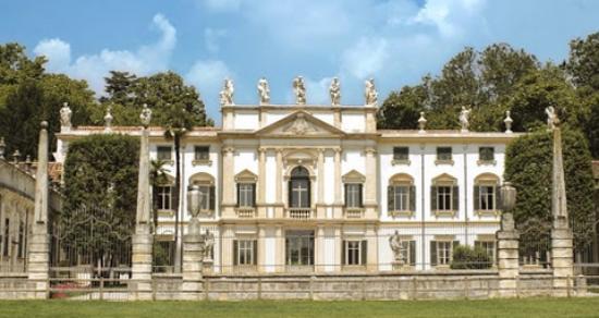 Villa Mosconi Bertani: Vila Mosconi Bertani