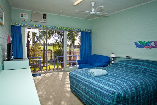 Inverloch Motel: Clean and comfortable, with great north facing balconies