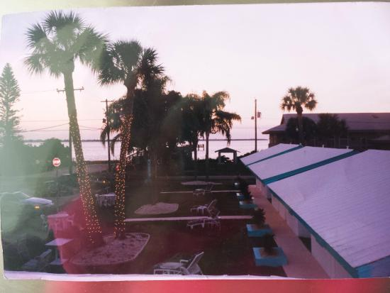 Tropical Bay Inn: waterfront suites two rooms with full kitchen and separate bedroom