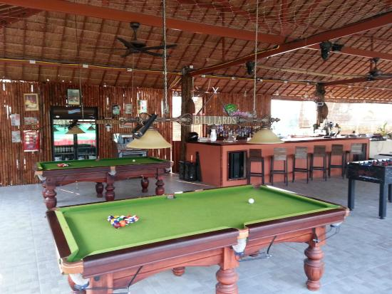 Electric Mango Steak House: Pool Tables U0026 Bar