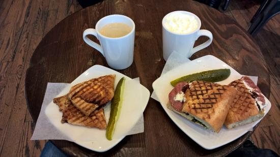 Breka Bakery and Cafe : café da manhã