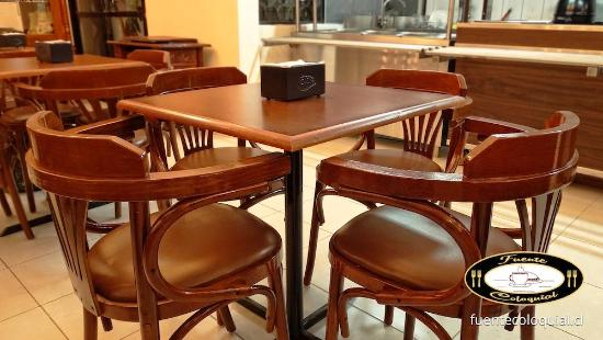 Detalle mesa y sillas restaurante y cafeter a fuente coloquial linares picture of fuente - Sillas para cafeteria ...