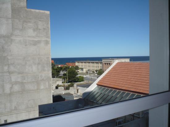 Hotel Victoria: Vista al mar desde habitacion