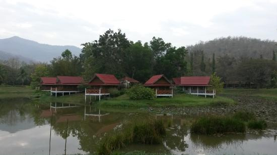 Riverkwai Park & Resort: Lakeside Chalets