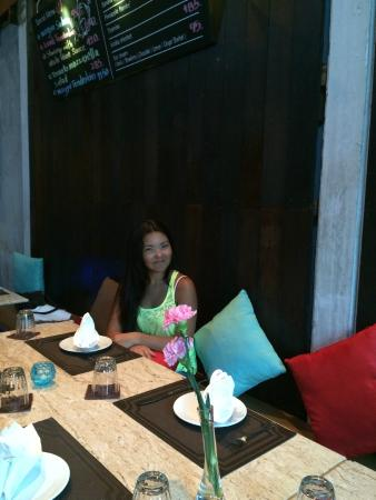Rendez-Vous Wine Dine Coffee: Late lunch with family in unexpectedly nice restaurant in Old Phuket Town