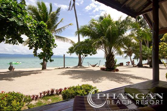 Phangan Beach Resort: true beach front bungalows