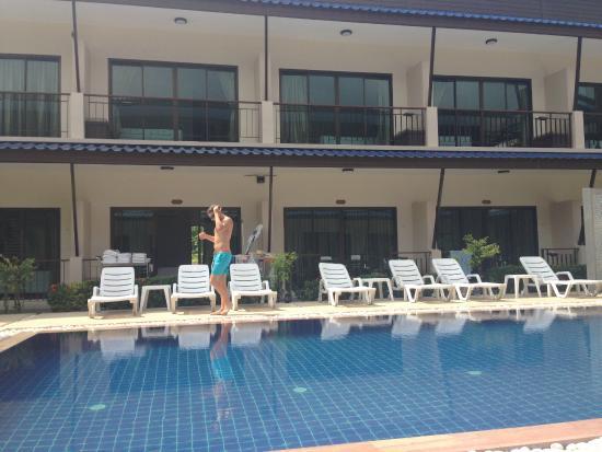 Phangan Island View Hotel : Pool