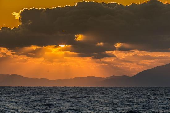 Iseya Ryokan : 晴れた日は美しい夕焼けが望めます。