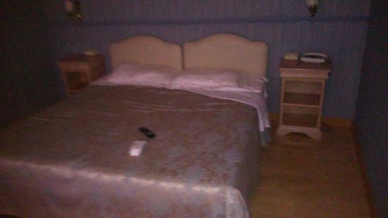 Grande Albergo Quattro Stagioni : Camera letto