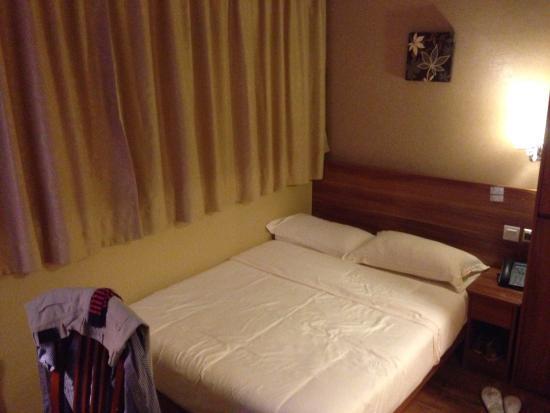 VP Hotel: Bedroom