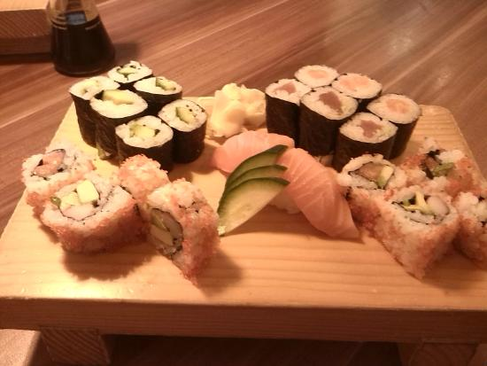 SUSHI-BAR Tatsumi Osamu Yamashita: sushi piatto misto
