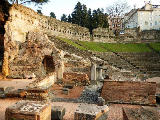 romano artioli trieste weather - photo#31