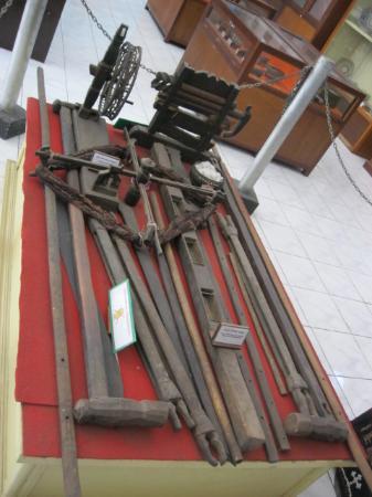 Kalabahi, إندونيسيا: benda yang dipajang di museum