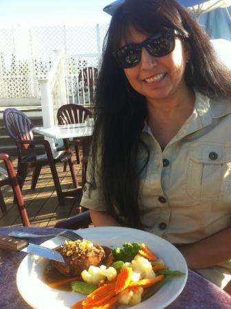 Chena's Alaskan Grill: Yolanda enjoying dinner on the deck