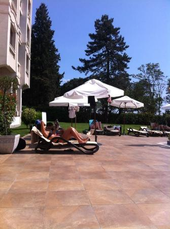 Grand Hotel & SPA Primoretz: внутренний двор