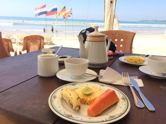 Samaru Beach House : Breakfast