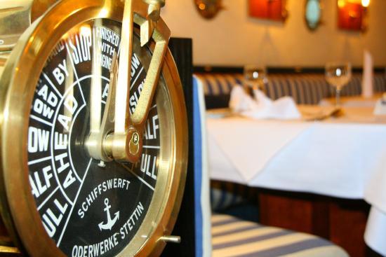 relexa hotel Bellevue: Dekoelement vom Hotelrestaurant