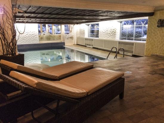Aparthotel Landhaus St. Joseph: Zwembad in het Saunacomplex.