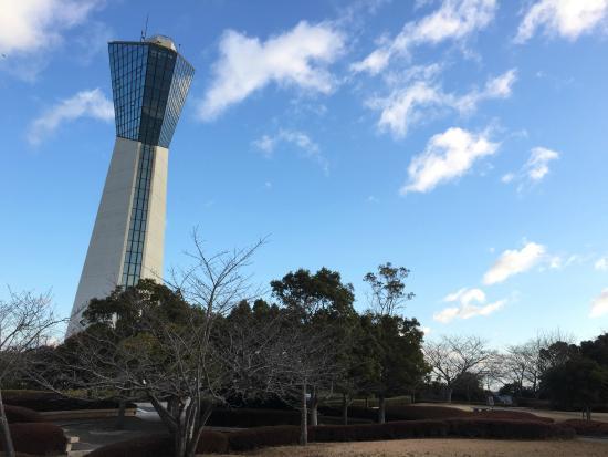 Iwaki Marine Tower: ここには 青空の日に訪れたい