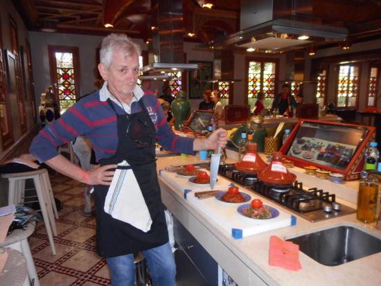 Chef de cuisine foto di laboratorio di cucina la maison for Ateliers de cuisine de la maison arabe