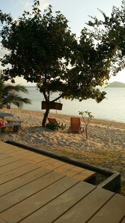 Pimmada Hut: Vue de depuis la piscine