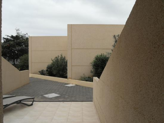 Hotel Coronas Playa: awake to this garden view