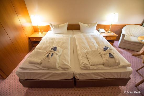 Radisson Blu Hotel, Cottbus: Não existem camas de casal, o hotel coloca duas camas de solteiro lado a lado para configurar um