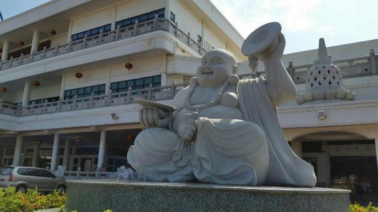 Maha Vihara Duta Maitreya Temple: Laughing Buddha