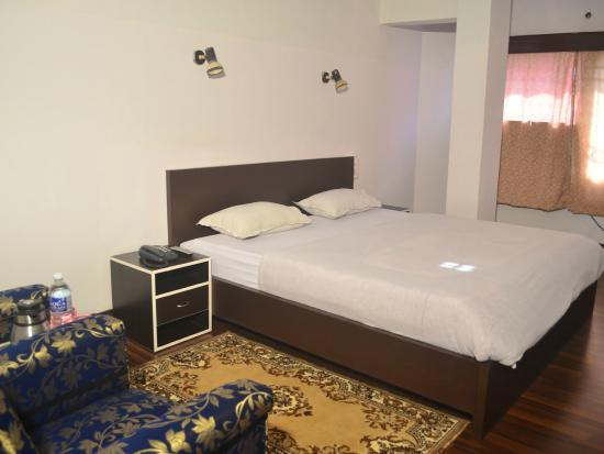 Ashiana Hotel: Super Deluxe room with balcony
