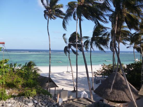 Leisure Lodge Beach and Golf Resort: resort strand mit restaurant