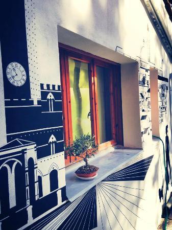 Siena Hostel Guidoriccio: in front of reception